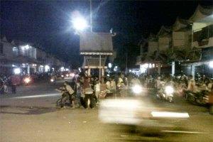 simpang Jalan Ahmad Yani dan Jalan Merdeka .....